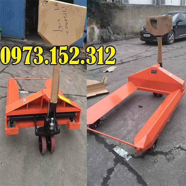 Xe nâng tay cuộn tròn 2.5 tấn đặt hàng theo yêu cầu